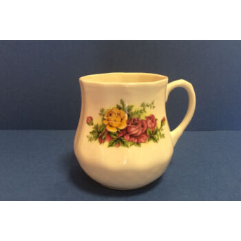 Porcelán bögre - rózsás