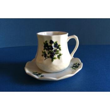 Cappuchinos csésze aljjal - áfonyás
